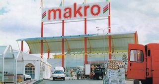 Advertisement Makro Czech in 1990s
